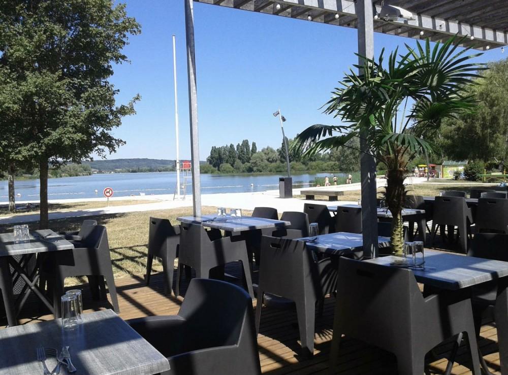 Restaurant-la-Plage-lac-de-vaivre-et-montoille13