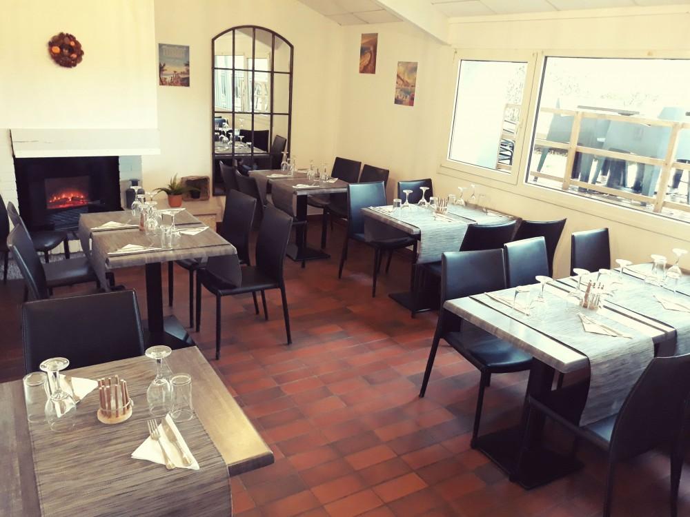 Restaurant-la-Plage-lac-de-vaivre-et-montoille7